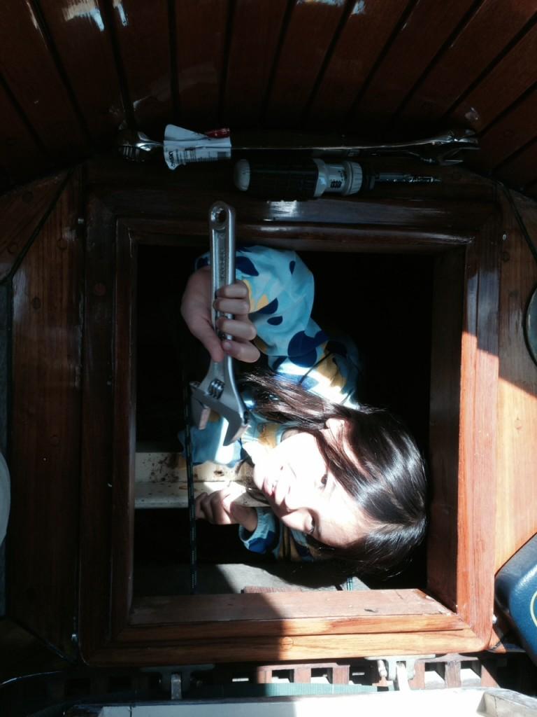 Jacintha retrieved a wrench I had dropped